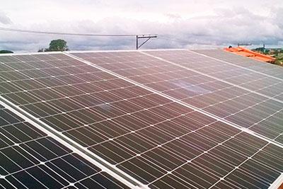 Estrutura e Suportes para Fixação de Painéis Fotovoltaicos em Laje